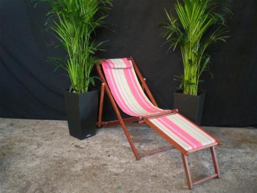 07.007.2 Strandstoel met voetensteun